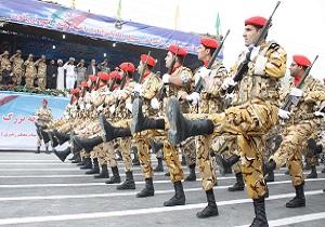 آغاز مراسم روز ارتش در همدان