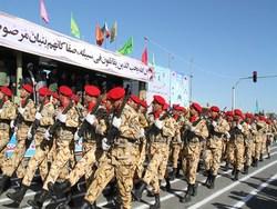 رژه اقتدار جان برکفان ارتش در زنجان