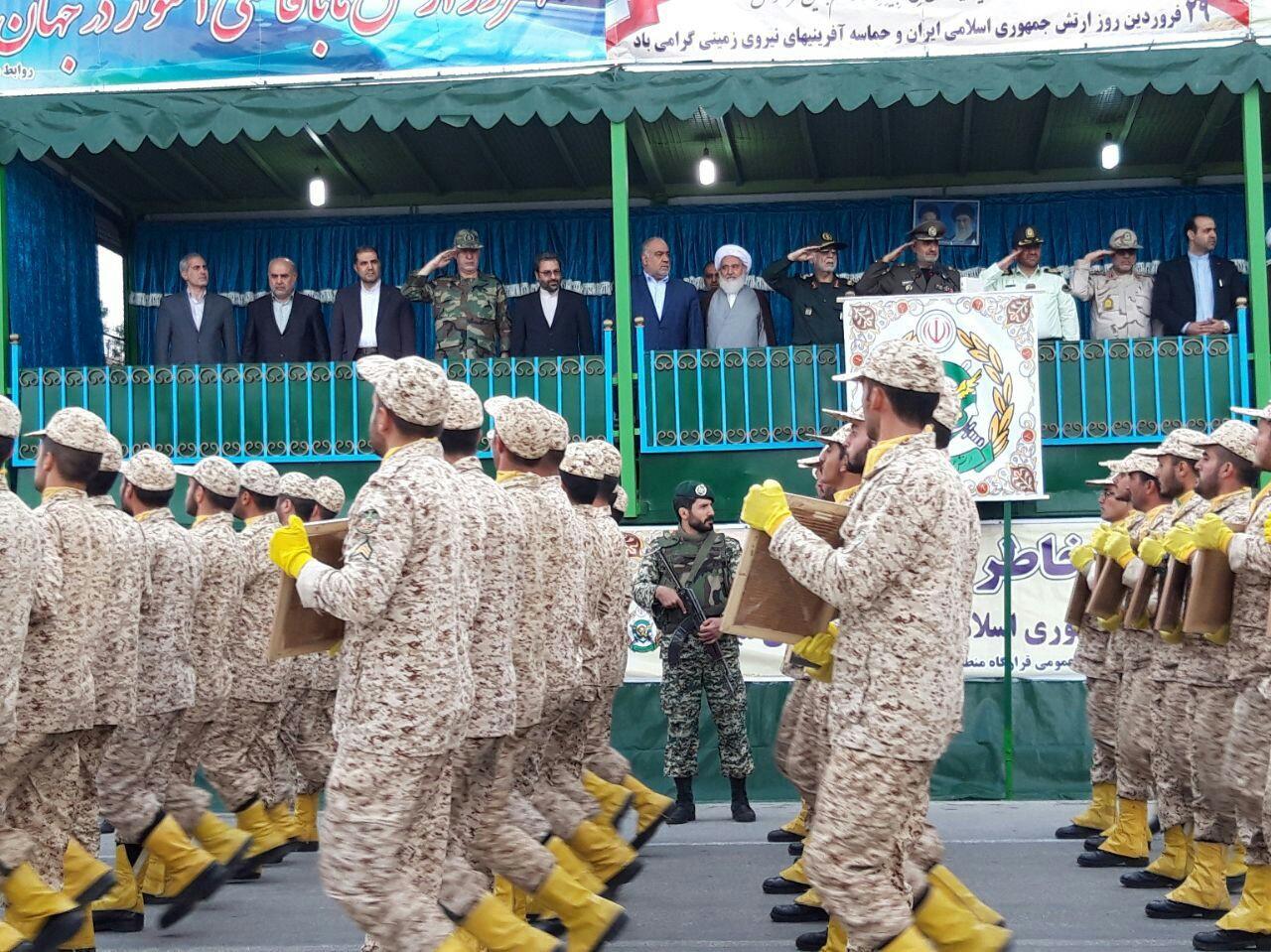 رژه باشکوه دلاور مردان ارتش در استان کرمانشاه