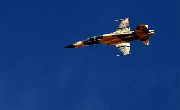 قدرت نمایی جنگنده تمام ایرانی کوثر در مراسم بزرگداشت روز ارتش + فیلم