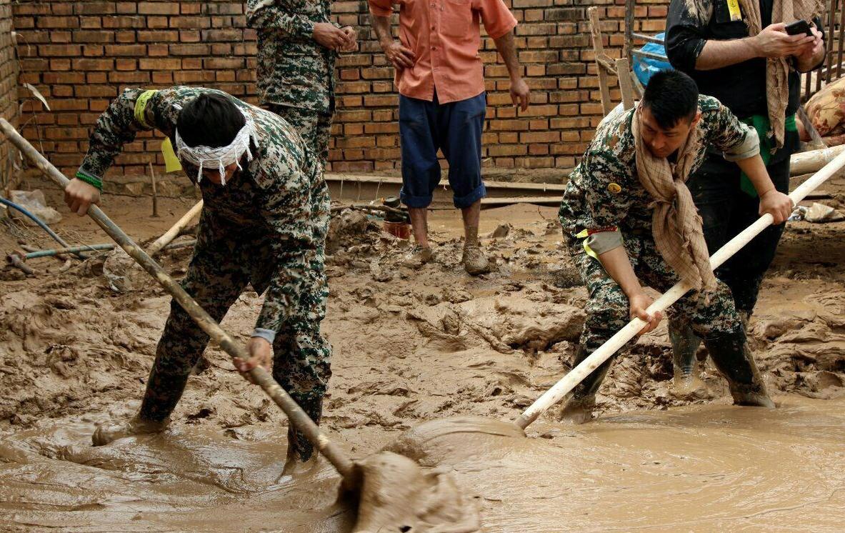 آخرین اخبار از مناطق سیل زده پنجشنبه ۲۹ فروردین ماه/ مشکلاتی که در سیل به وقوع پیوست، نباید فراموش شود/ +تصاویر