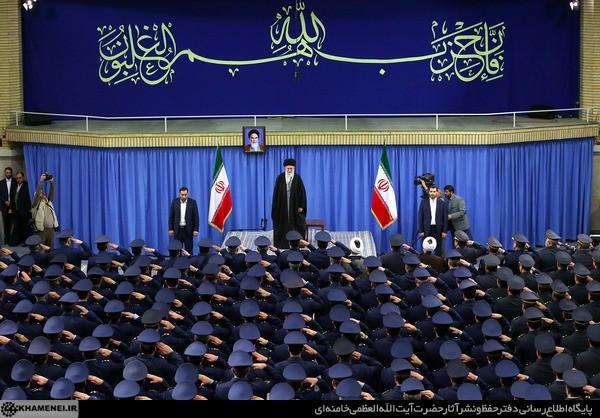 بیانات رهبرمعظم انقلاب و امام خمینی (ره) درباره گرامیداشت روز ارتش +فیلم