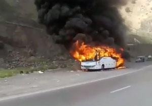 باشگاه خبرنگاران -آتشسوزی اتوبوس مسافربری در محور هراز + فیلم