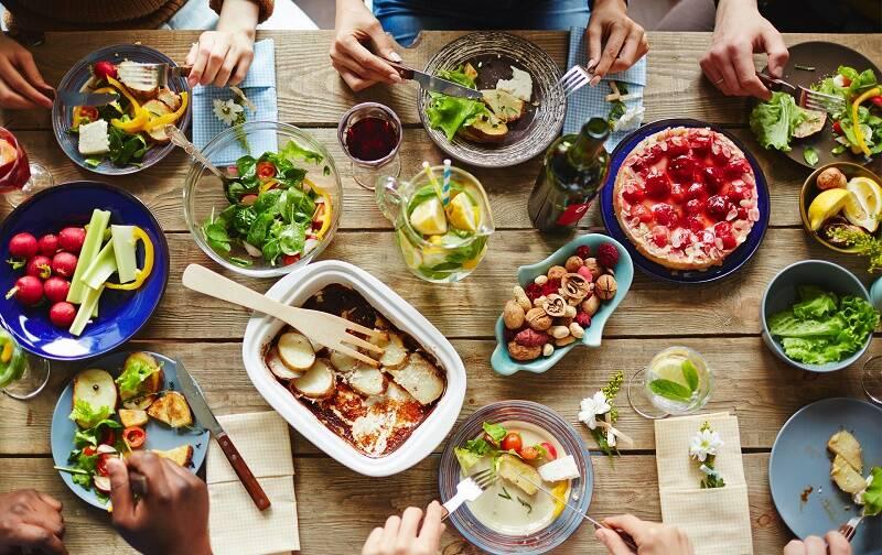خوردنیهایی که همزمان نباید مصرف شود