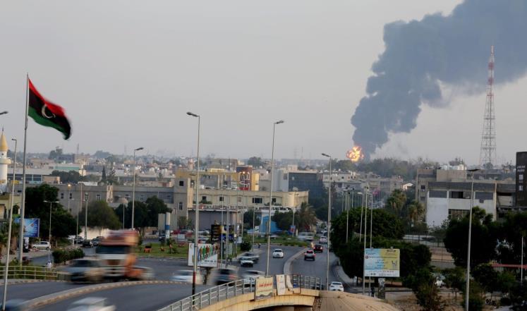 بمباران پایتخت لیبی توسط جنگندههای ناشناس