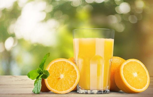 //ویژه عید /با نوشیدن آب این میوه خوش مزه گذرتان هیچ وقت به پزشک نمی افتد