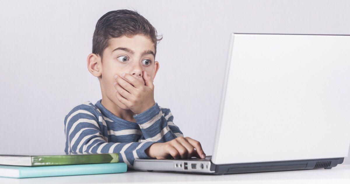 افسردگی در کمین کودکان علاقمند به فضای مجازی/ چرا نباید فرزندانمان را بدون کنترل در شبکههای اجتماعی رها کنیم؟