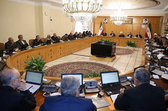 وزارت کار جوانترین و نفت پیرترین وزارتخانه اقتصادی/ وزارتخانهها پیرتر شدهاند