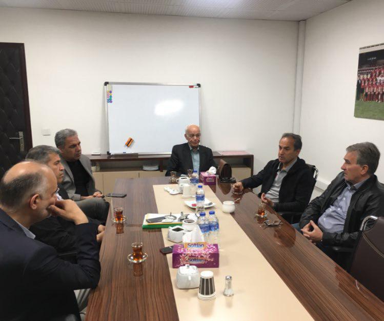 باشگاه خبرنگاران -جلسه صبحگاهی مدیرعامل پرسپولیس با برانکو و اعضای هیئت مدیره