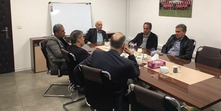 باشگاه خبرنگاران -هدیه نفیس کاشانی به برانکو