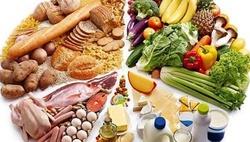 ۲ عادت بد غذایی که عمرتان را کوتاه میکند/ میوه و آجیل بیشتر مصرف کنید
