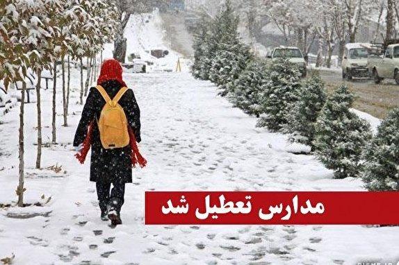 باشگاه خبرنگاران -برف بهاری مدارس خاروانا را تعطیل کرد