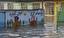 باشگاه خبرنگاران - گزارش میدانی نیروهای مردمی از پاکسازی مدرسهای در مناطق سیلزده+ فیلم