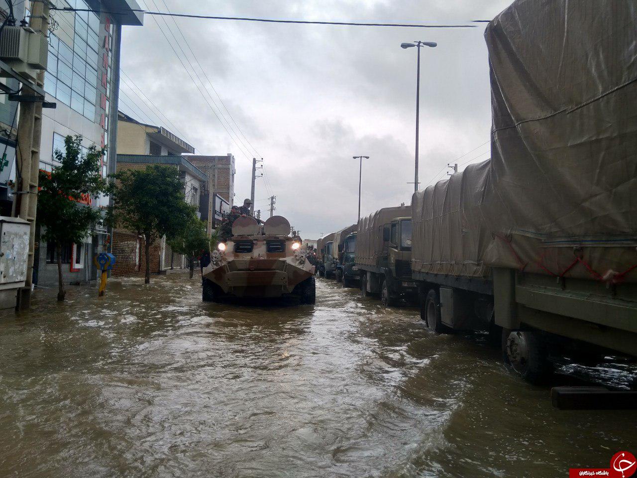 نیروی زمینی ارتش با نفربرهای BTR به یاری سیلزدگان آمد