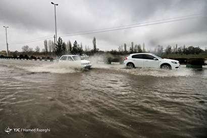باشگاه خبرنگاران -بارش شدید باران و آب گرفتگی معابر در ابهر