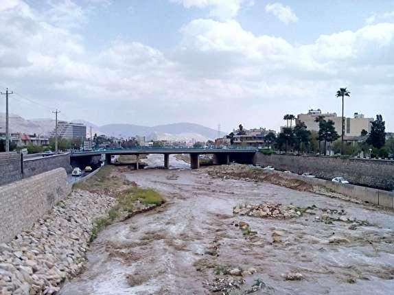 باشگاه خبرنگاران - احتمال آّبگرفتگی معابر شرقی رودخانه خشک شیراز/لزوم تخلیه انبارها و برخی اماکن