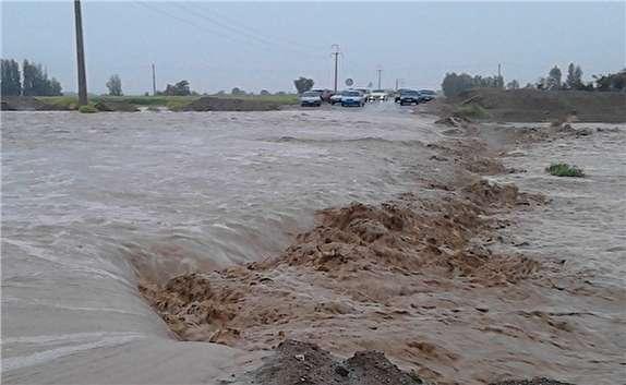 باشگاه خبرنگاران -جاده اندیکا-شهرکرد در سیلاب غرق شد