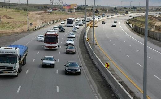 غافلگیری خودروی سواری ال ۹۰  در جنوب سمنان/راننده خودرو درگذشت