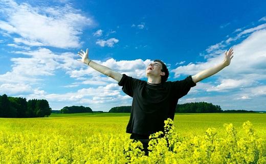 علل بوی بد بدن + نسخههای درمانی طب سنتی / چگونه بدون استفاده از مام بدنی خوشبو داشته باشیم؟