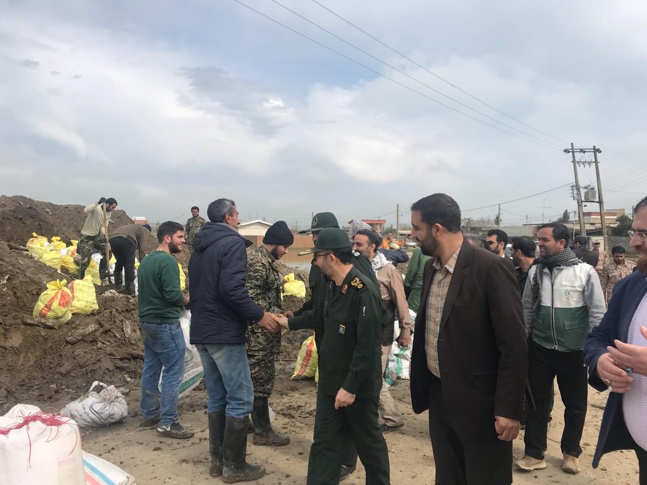 برخی از کمکهای مردم خراسان رضوی به مناطق سیل زده رسیده است/