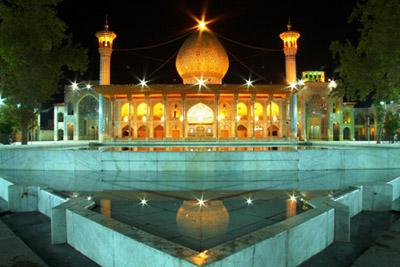 مراسم بزرگداشت جان باختگان سیل شیراز در حرم شاهچراغ