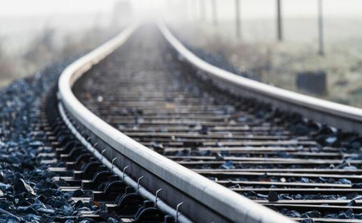 قطار سریع السیر تهران - قم - اصفهان در ایستگاه تامین اعتبار