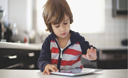 اعتیاد کودک به شبکههای اجتماعی
