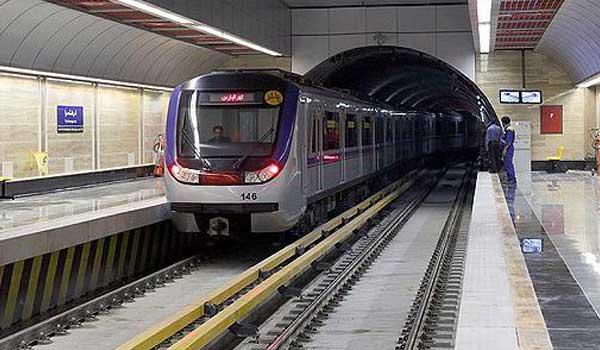شاهکار مترو با فعال کردن گیتهای ورودی/ درآمد زایی مترو در روزی که سفر با مترو رایگان بود