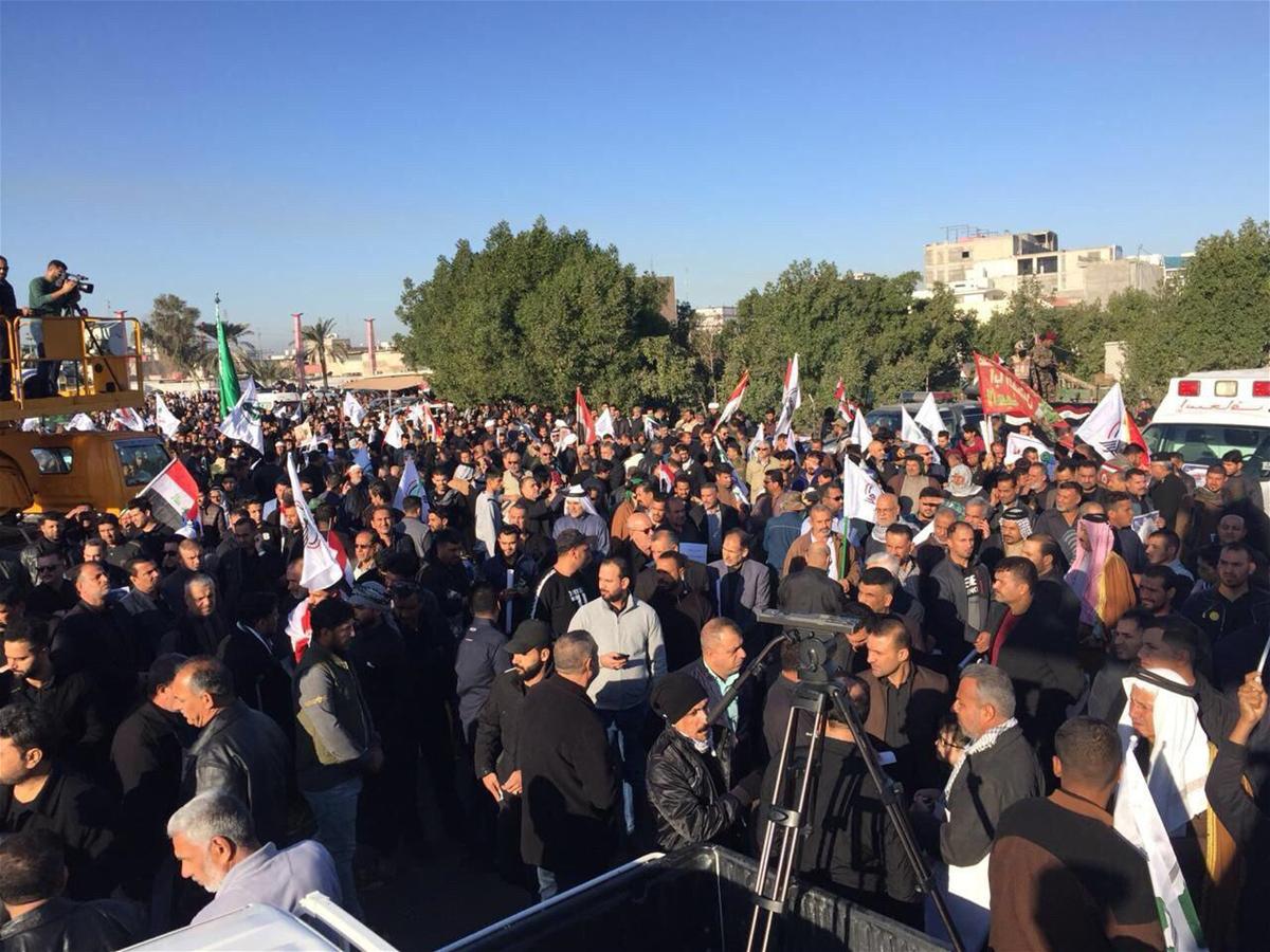 برگزاری مراسم تشییع پیکر شهید ابومهدی المهندس در بصره با حضور گسترده مردمی
