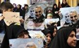 اهتزاز پرچم حشدالشعبی  عراق در مراسم تشییع پیکر مطهر شهید ابومهدی