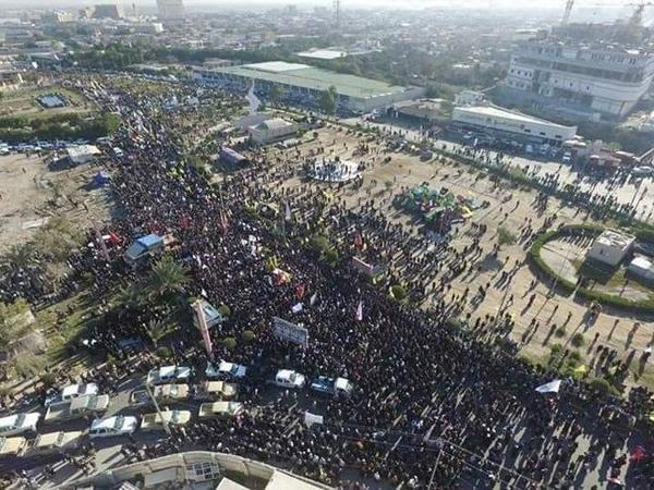 تشییع پیکر شهید ابومهدی المهندس در بصره با حضور گسترده مردمی