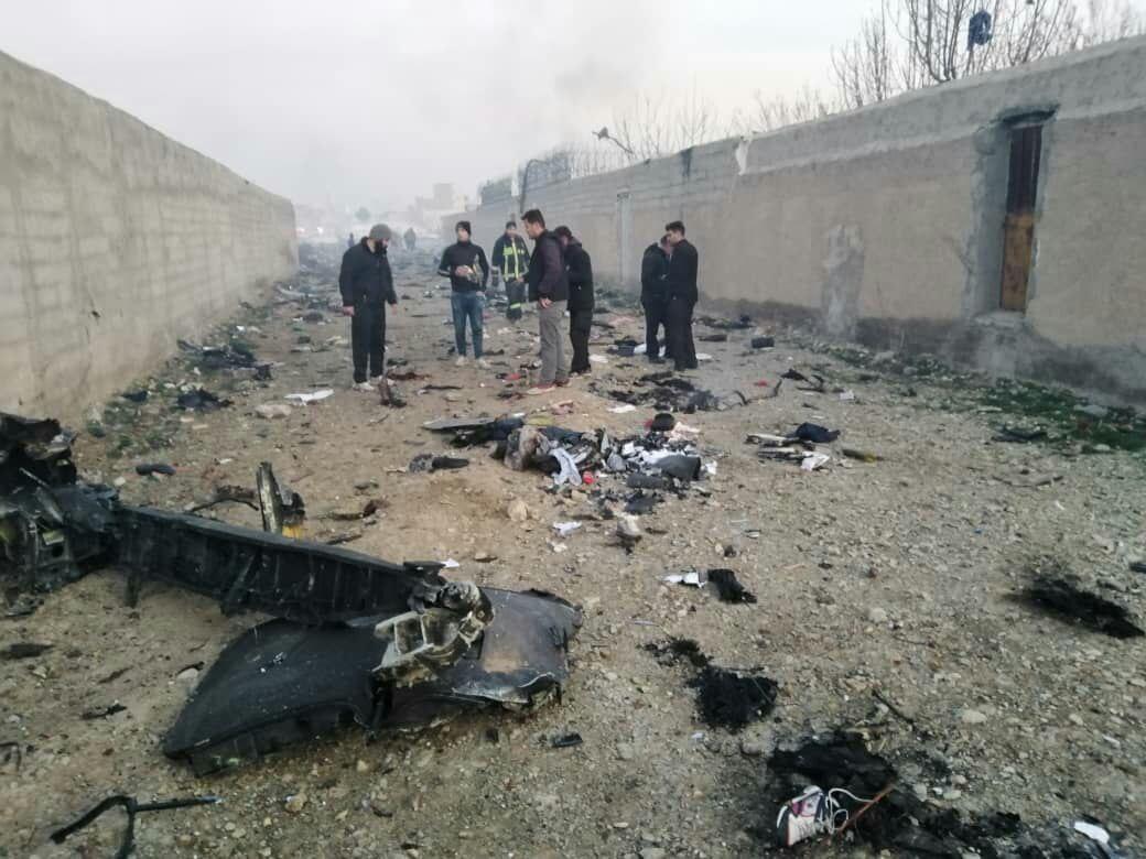 سقوط یک هواهیپایی مسافربری در تهران