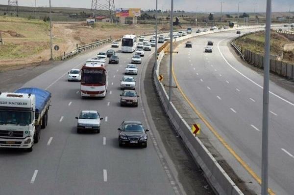 وضعیت محورهای مواصلاتی در ۲۰ دی/کاهش ۷.۴ درصدی تردد در محورهای برون شهری
