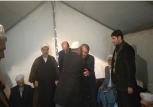 دلجویی استاندار گلستان از خانواده بازماندگان تصادف اتوبوس در گنبدکاوس
