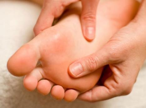 درمان پادرد؛ ماساژ پا را امتحان کنید