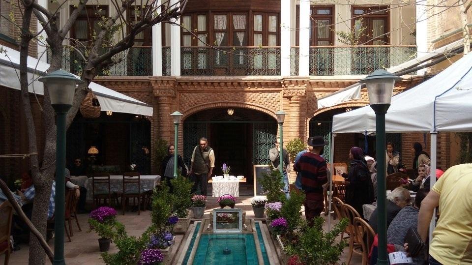 گذری کوتاه بر خانهای تاریخی در قلب تهران/ تماشای «خانه فاموری» را از دست ندهید
