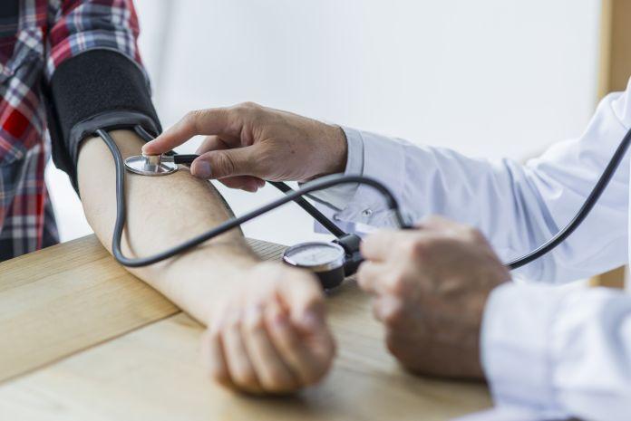 ۱۰ + ۱ راهکار برای مقابله با پرفشاری خون