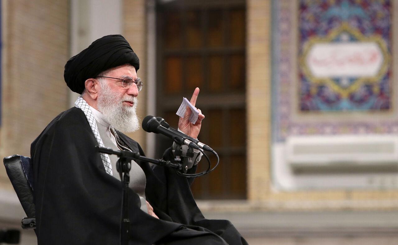 رهبر انقلاب: حضور فساد برانگیز آمریکا در منطقه باید تمام شود
