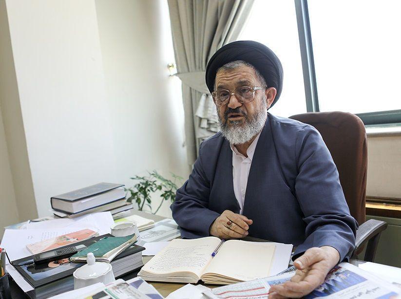نظام جمهوری اسلامی نظامی مردمی اسلامی است.