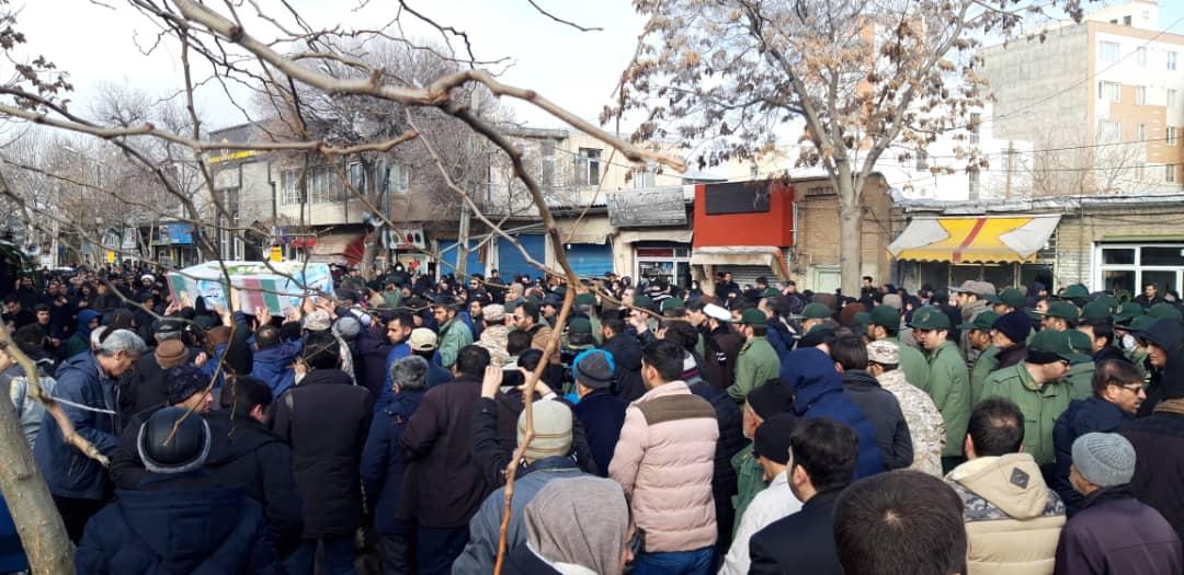 تشییع پیکر الناز نبیی از شهدای سانحه هواپیمای اوکراینی در زنجان + تصاویر