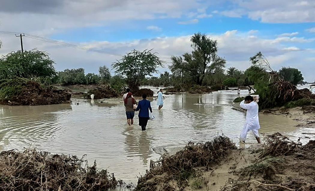 ۱۳۷ روستای سیلزده کاجو و بنت نیکشهر در انتظار بازگشایی راهها و امدادرسانی