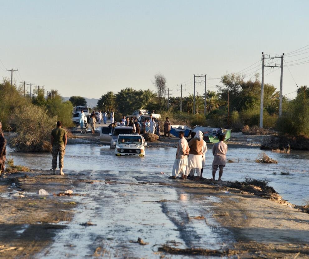 ۴۰ تن آرد به مناطق سیلزده نیکشهر ارسال شد