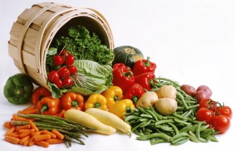 سبزیجات دستچین برگی و غیر برگی در غرفه های تره بار