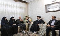 رئیس قوه قضاییه با خانواده شهید وحید زمانی نیا دیدار کرد