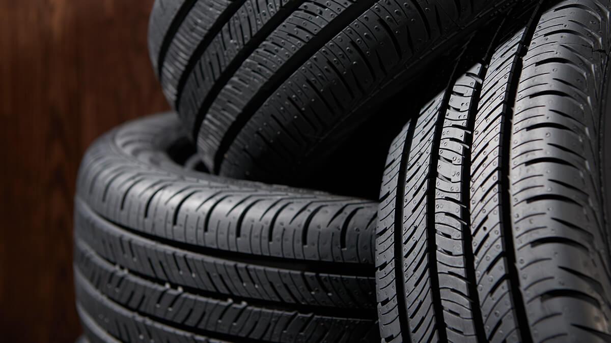 مشکل لاستیک خودروهای سنگین برطرف شد/ لاستیکهای استاندارد در بازار توزیع شد