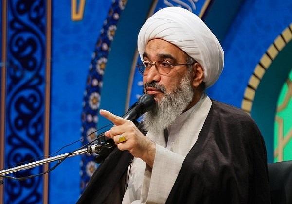 از وزارت خارجه میخواهیم که سفیر انگلیس را از ایران اخراج کند