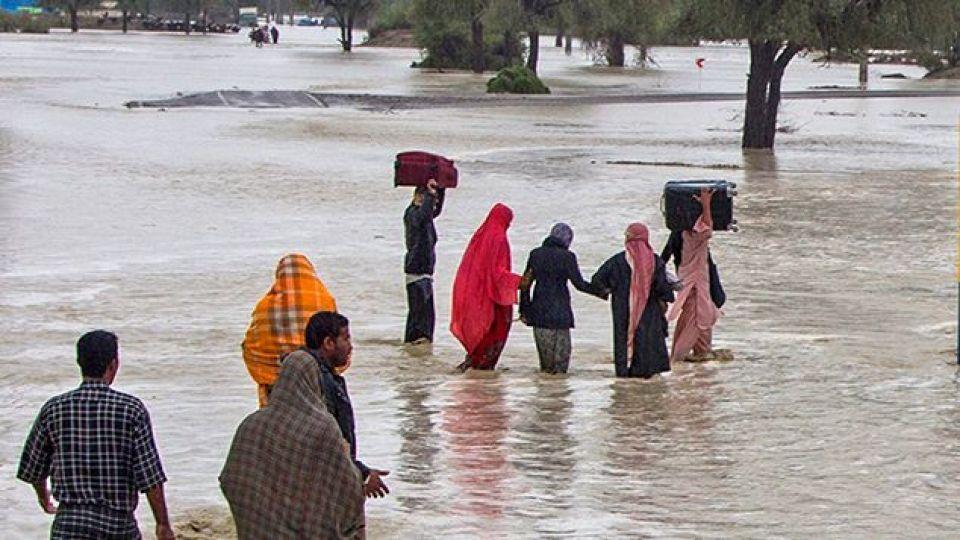 شرایط سخت تردد مانع از امداد رسانی در برخی از مناطق نیکشهر