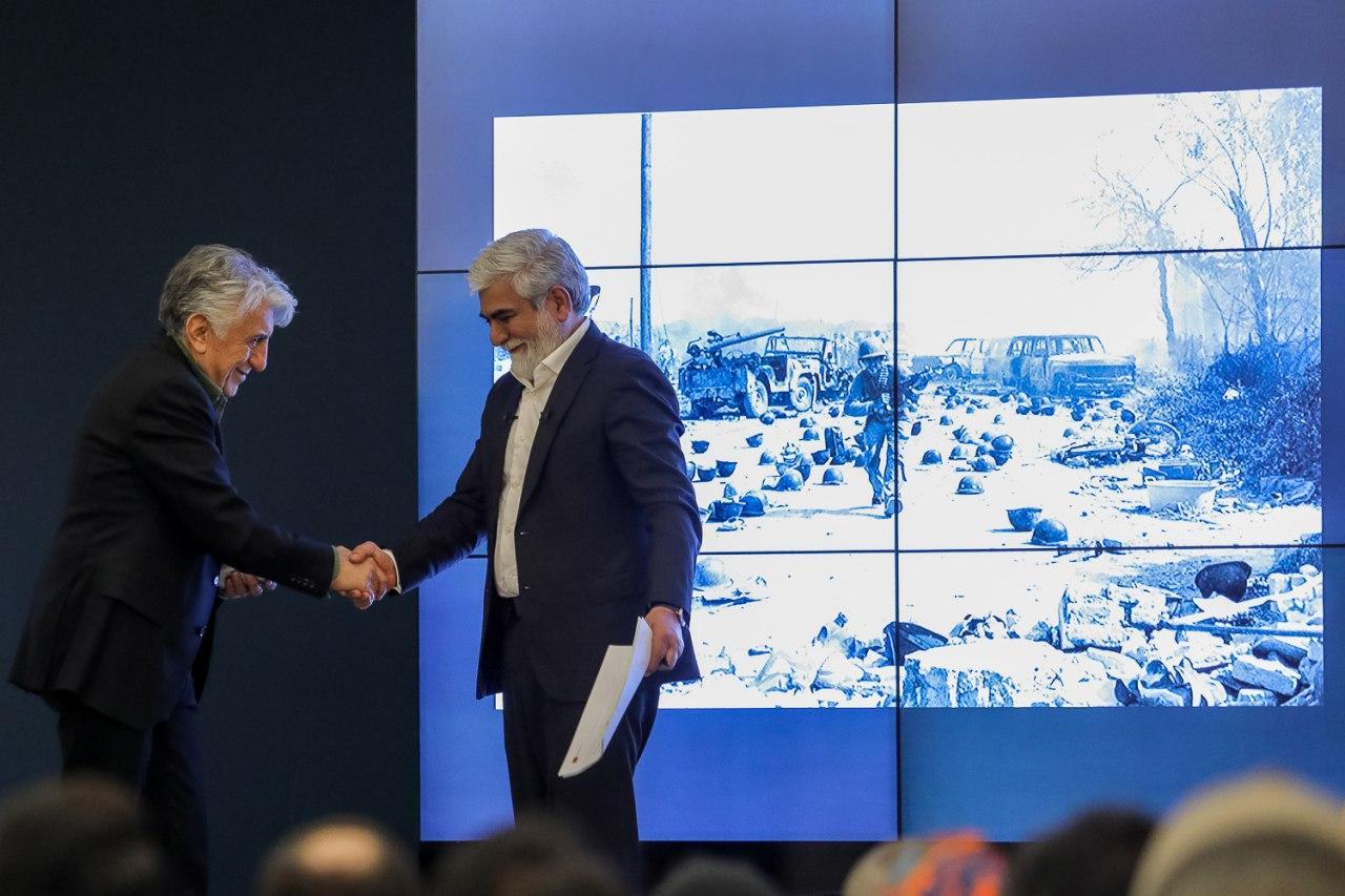 شبی پرفروغ برای هنر نقاشیخط در حراج تهران/ رکورد هنر انقلاب توسط حسن روح الامین شکسته شد