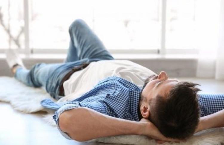 خوابیدن و مشکلات آن