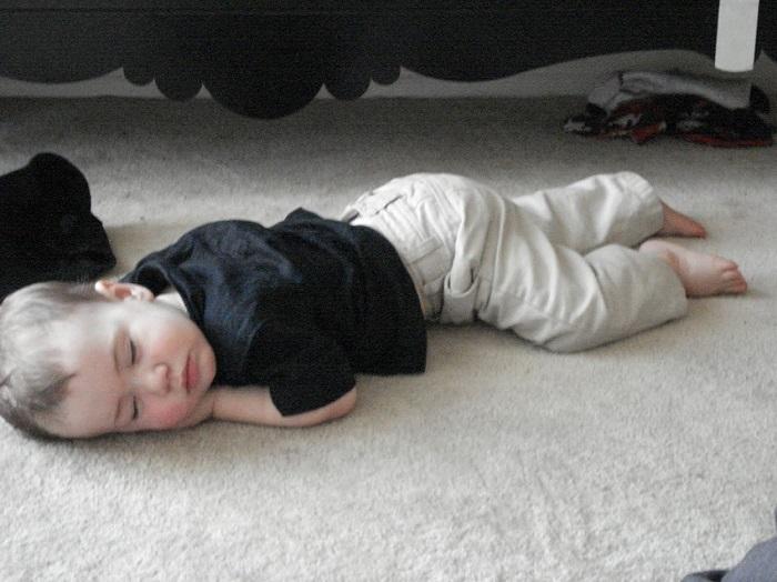 خوابیدن بر روی زمین